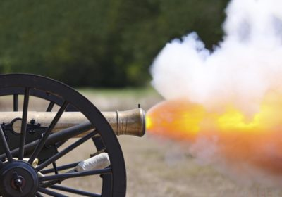 civil-war-cannon-firing